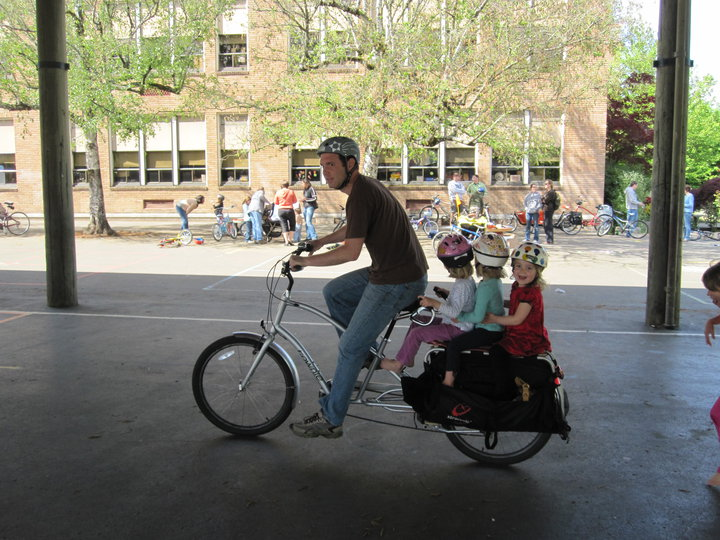 three-kids-on-an-xtracycle