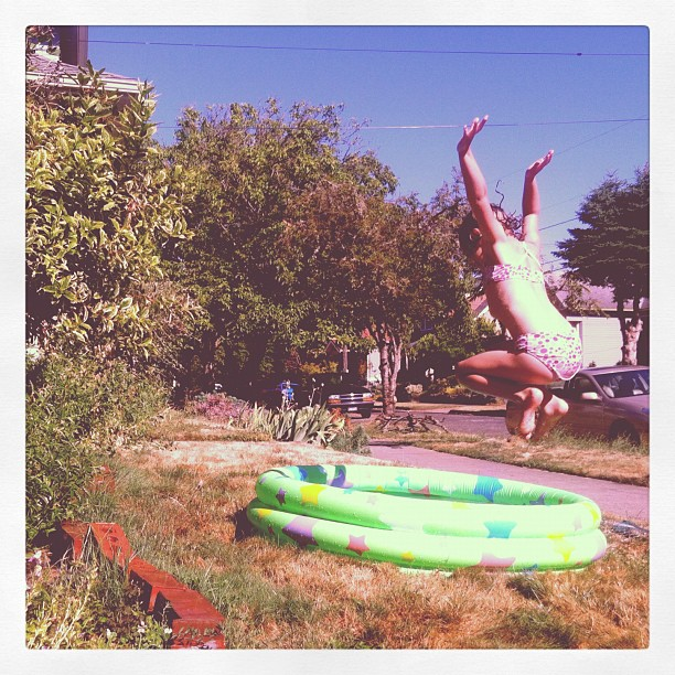 Kiddie pool cannonball!
